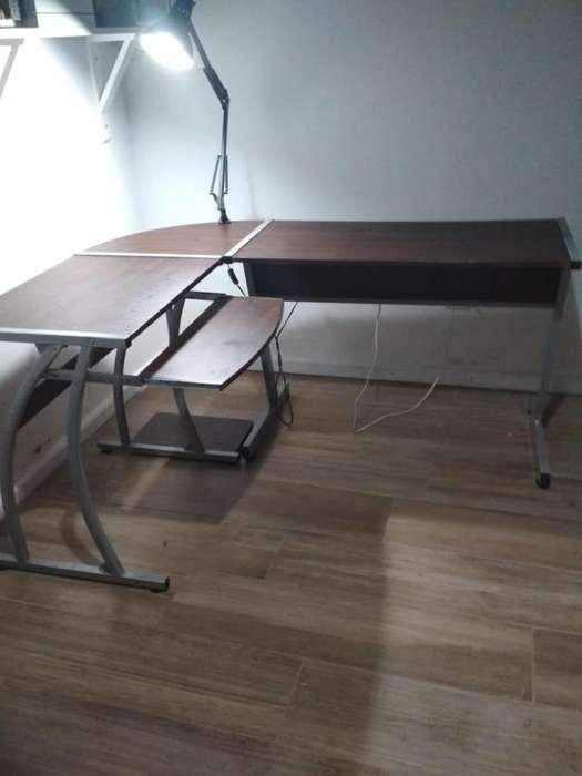 <strong>escritorio</strong> esquinero melamina y hierro