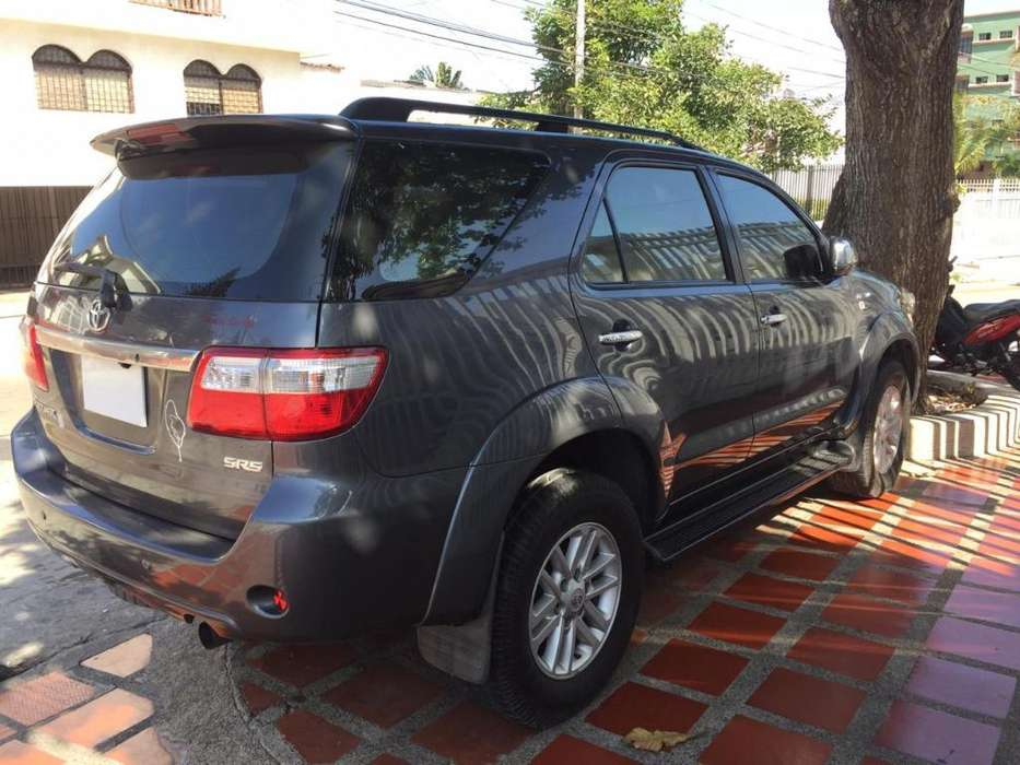 <strong>toyota</strong> Fortuner 2011 - 91000 km