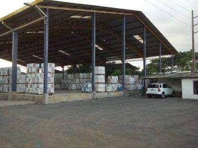Se vende bodega via a daule. 1000 m2 mas oficinas.