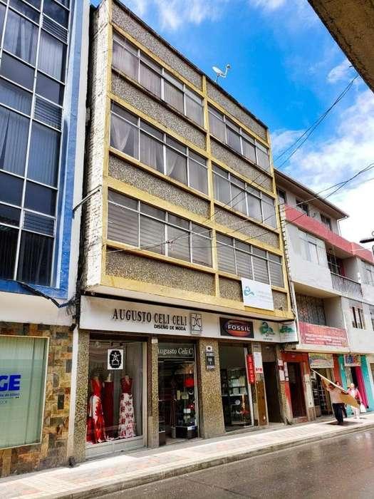 Edificio en El Centro de Loja