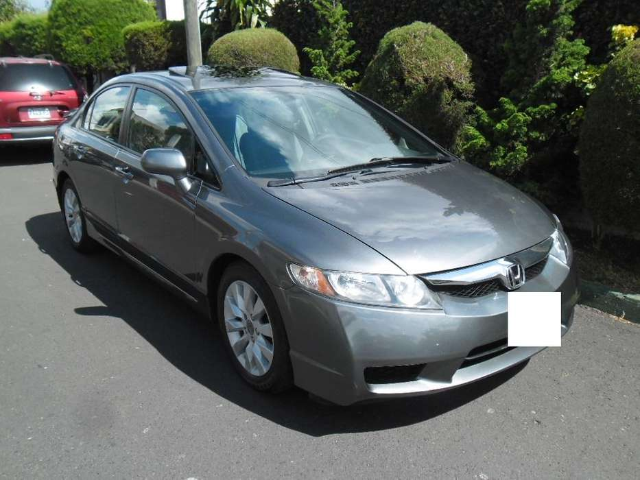 Honda Civic 2010 - 130000 km