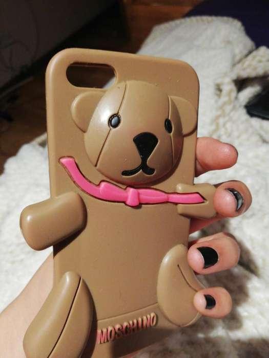 Forro iPhone 5 Moschino