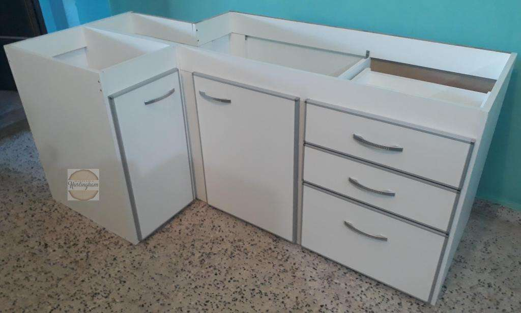 Mueble de cocina, esquinero en L, con cantos de aluminio - Morón