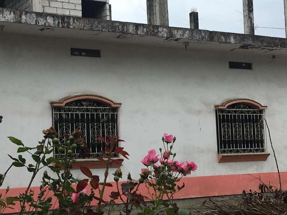 Casa de dos plantas con una buena ubicación
