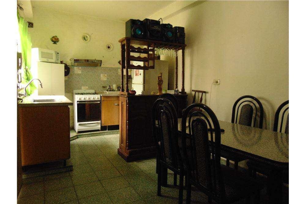Dpto pasillo, 1dorm, coc comedor, patio, terraza