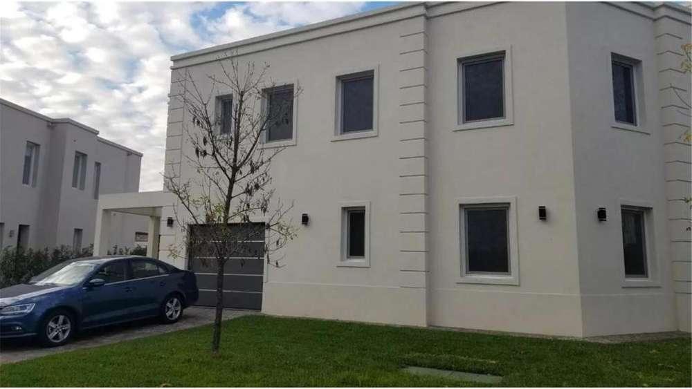Ayres Plaza Lote / N 2190706 - UD 850.000 - Casa en Venta