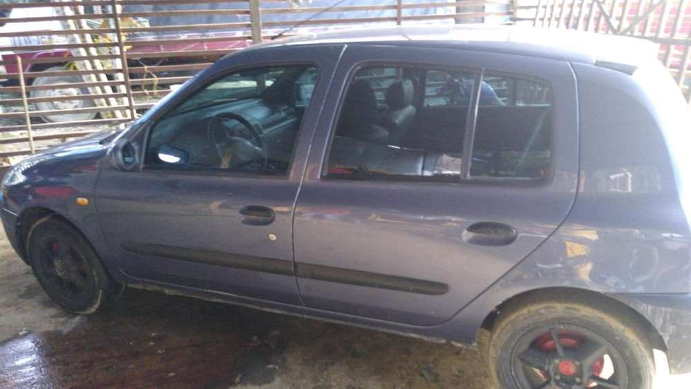 Renault Clio  2003 - 0 km