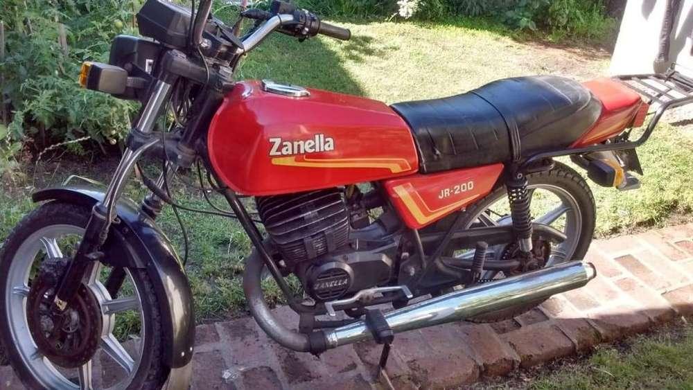 <strong>moto</strong> ZANELLA JR 200 – Para entendidos - Único dueño - Impecable