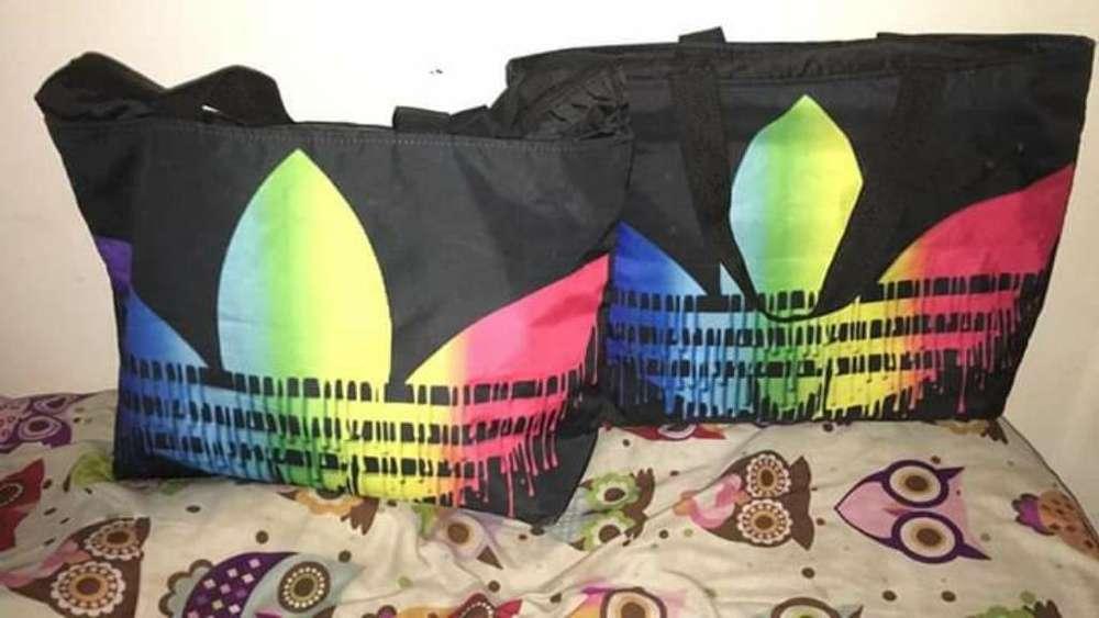 Vendo <strong>bolso</strong> Adidas Nuevo!