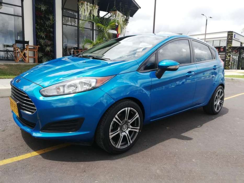 Ford Fiesta  2014 - 35000 km