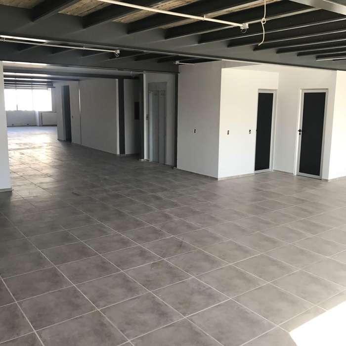 ALQUILO OFICINA COMERCIAL 150m2 B GRAL.PAZ Av. 24 de Septiembre al 1500 Edificio Corporativo