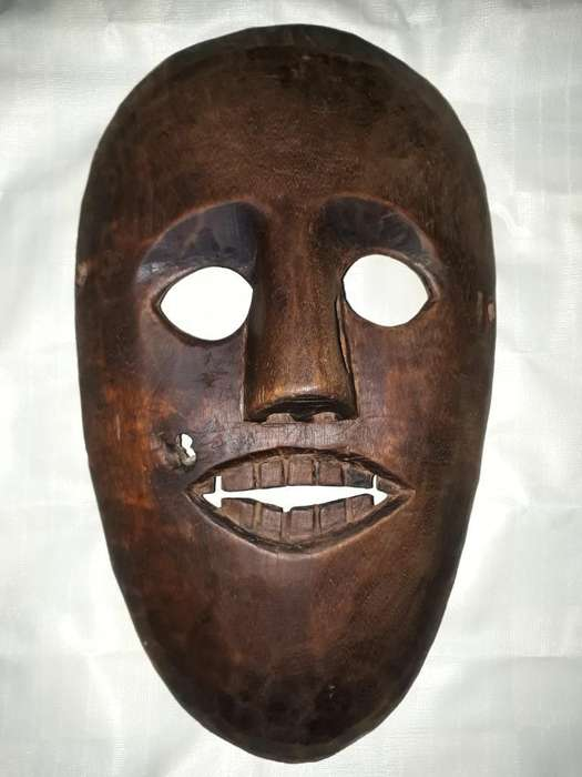 Mascara Africana Artesanal.