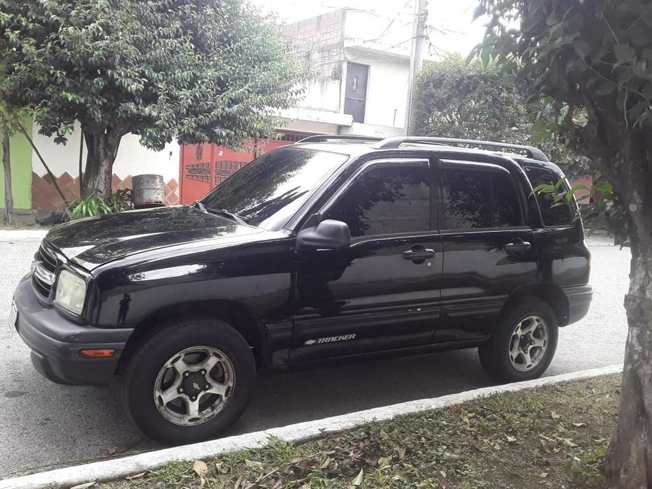 Chevrolet Tracker 2001 - 100 km