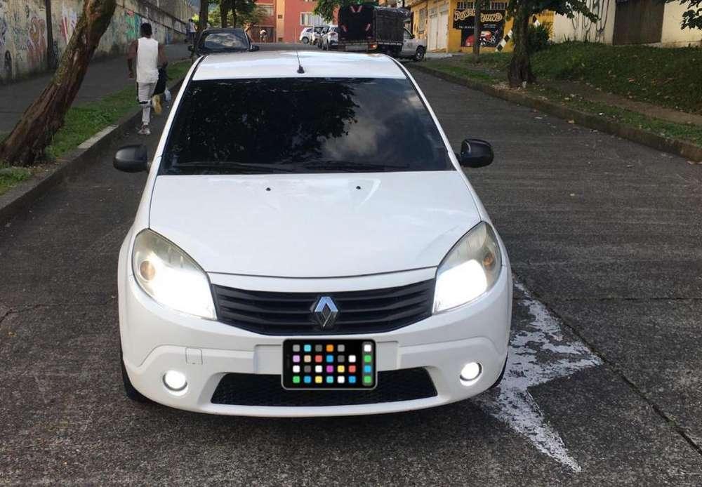Renault Sandero 2010 - 1600 km