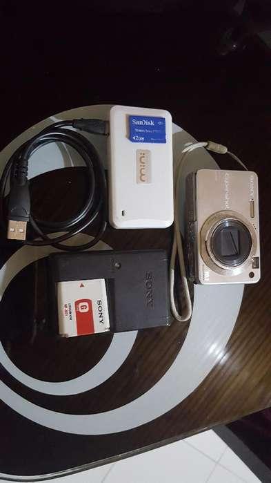 Camara Sony con <strong>accesorios</strong>