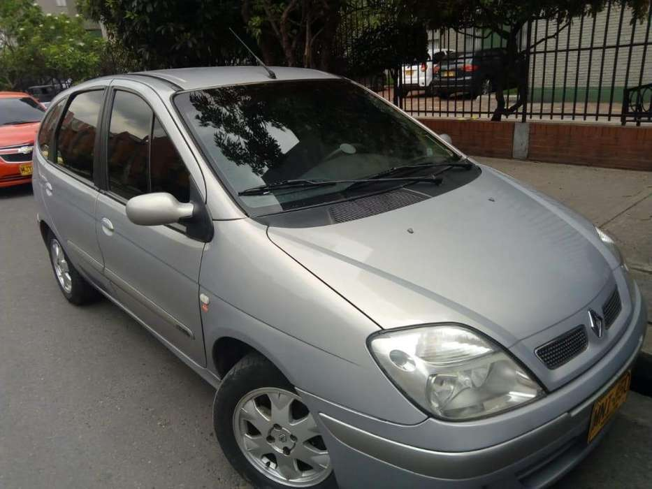Renault Scenic  2006 - 143000 km