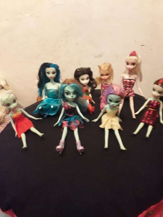 Lote de 8 Muñecas