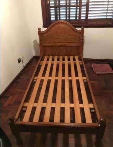 Vendo <strong>cama</strong> de cedro de 1 plaza y media