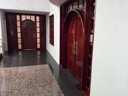 VENDO LOCAL COMERCIAL EN Av REPÚBLICA DEL SALVADOR Ag. Roberto Alarcon