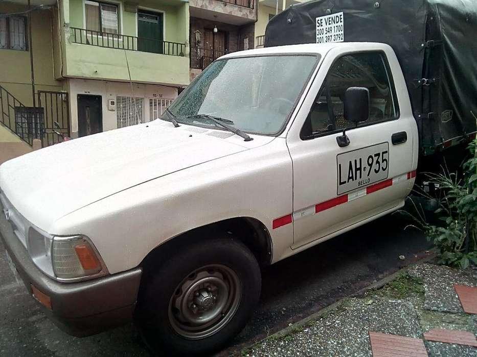 Toyota Hilux 1994 - 120000 km