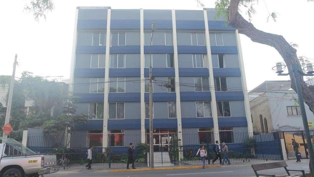 Edificio Residencial en Av. Arequipa Miraflores - 00635