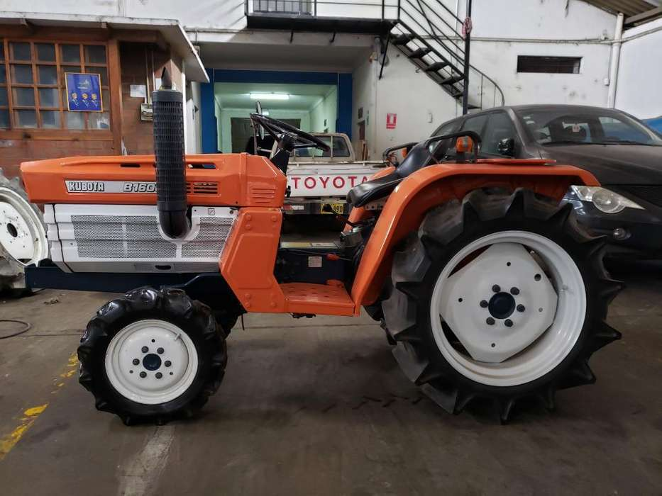 Mini Tractor Kubota 4x4 20 Hp