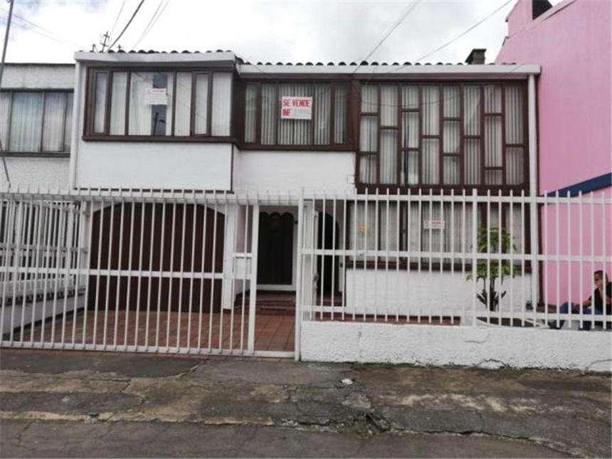 Se vende casa de 300 mts2. en Normandía. Adecuada para <strong>oficina</strong>s. Código 4747529