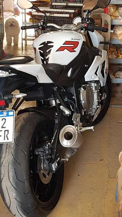 Vendo Moto!!