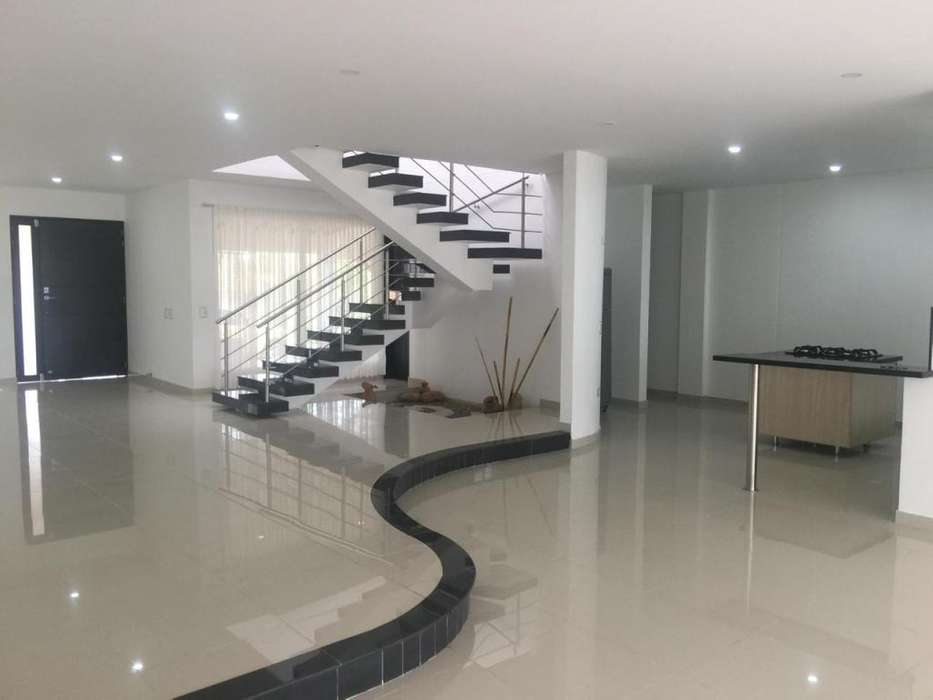 Arriendo Casa Cúcuta 350 mts2