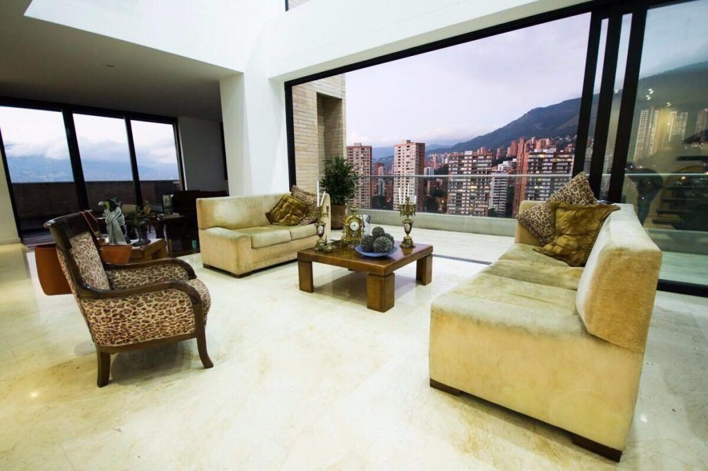 Venta Apartamento poblado sector el campestre .