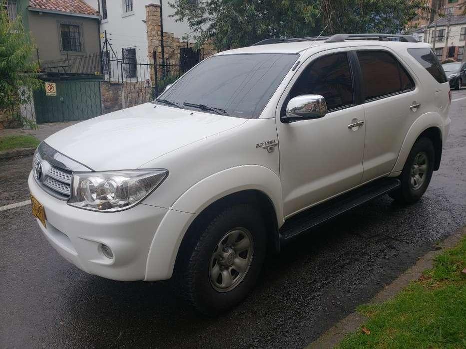Toyota Fortuner 2010 - 96300 km