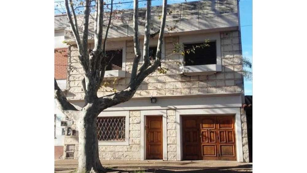 La Paz 3316 - UD 380.000 - Casa en Venta