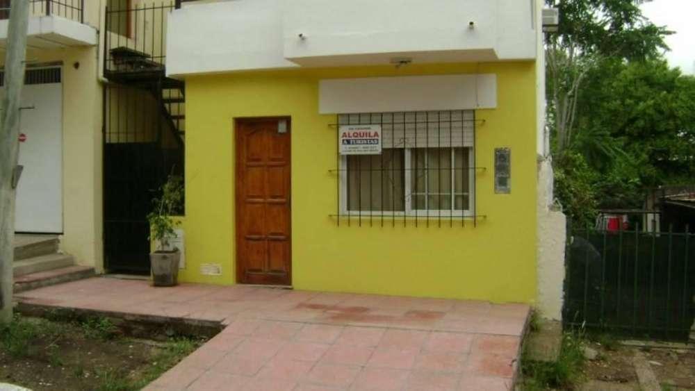 aw99 - Departamento para 2 a 5 personas con cochera en Colón