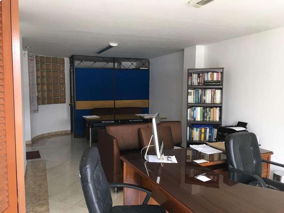 Oficina Y O Apartaestudio Centro parqueadero