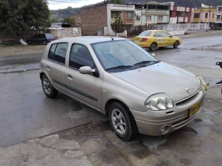Renault Clio  2003 - 112000 km