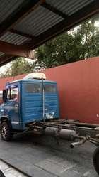 Mercedez Benz 913 . Un Lujo !!!