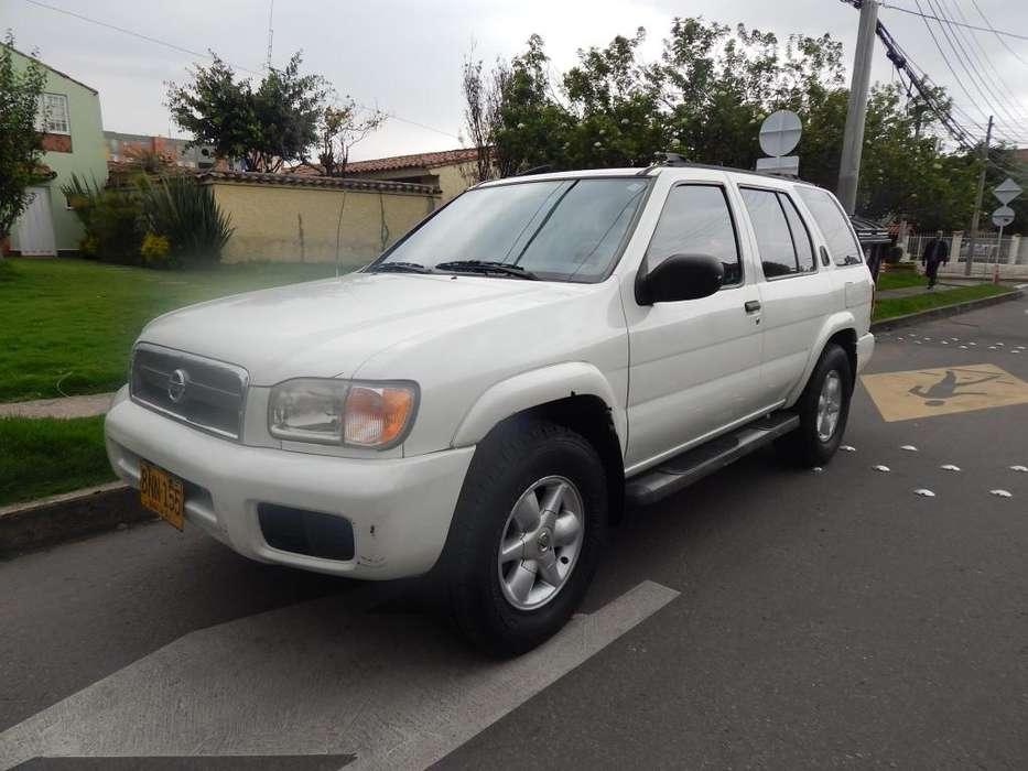 Nissan Pathfinder 2002 - 190000 km