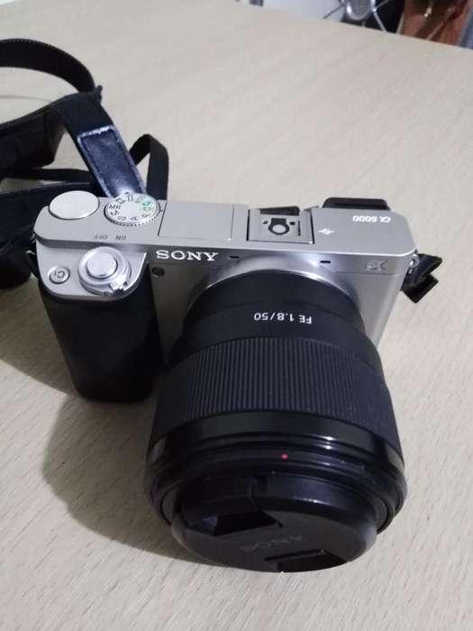 Camará Sony Alpha A600 con Accesorios
