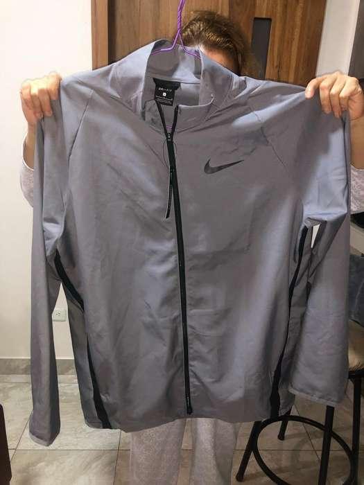 Chompa Nike