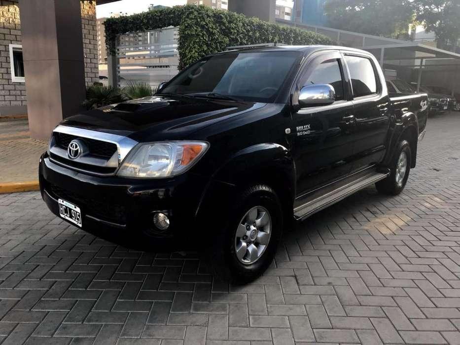 Toyota Hilux 2008 - 210000 km