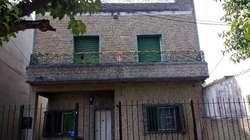 Casa PH en venta en Quilmes Oeste