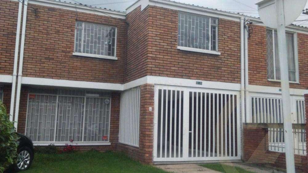 Amplia Casa en Arriendo - Los Andes 68-00087