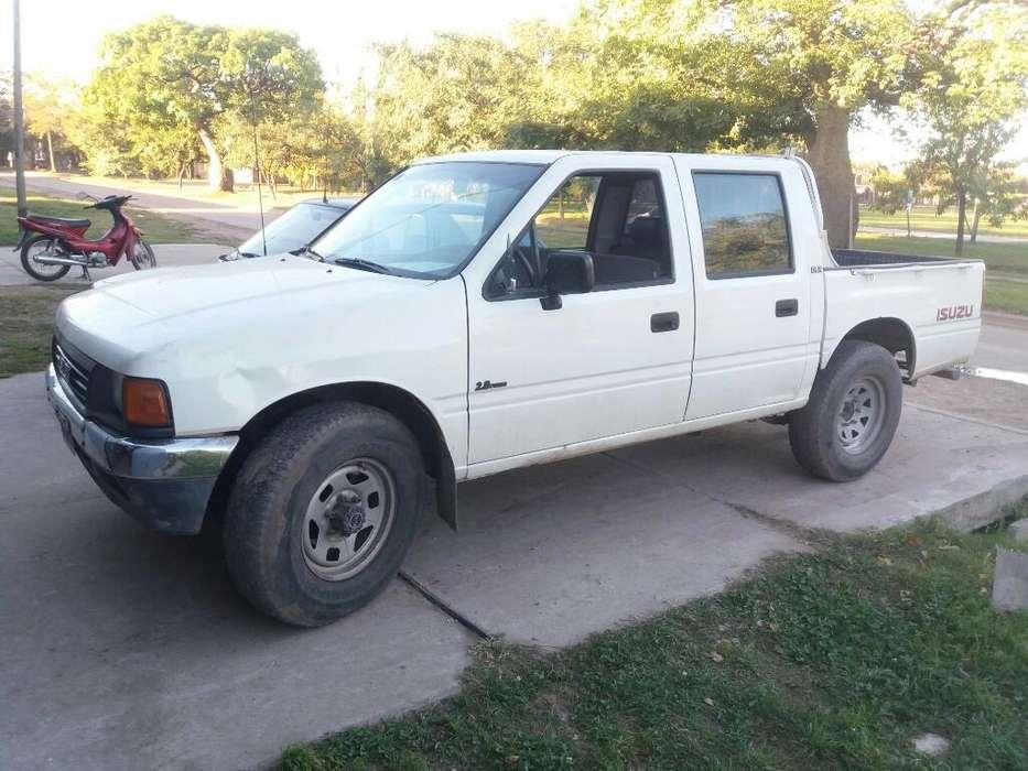 Isuzu Pick-Up 1996 - 413000 km