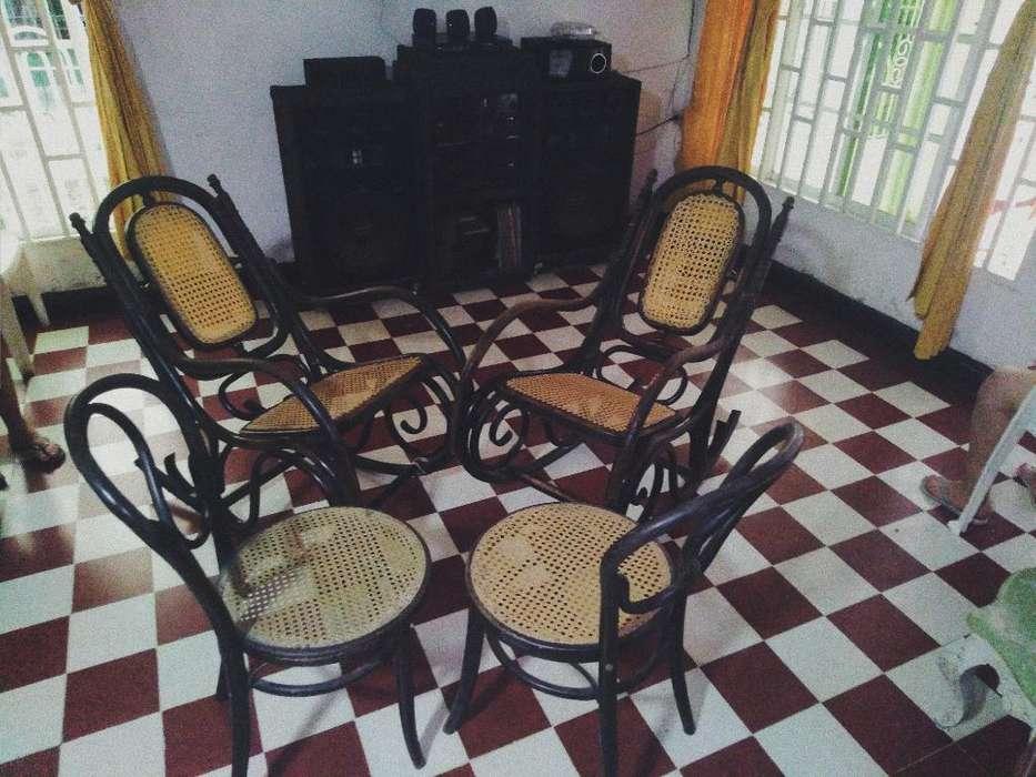 Se Vende 2 <strong>silla</strong>s Y 2 Mesedoras Antiguas