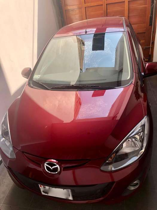Mazda Mazda 2 2014 - 10300 km