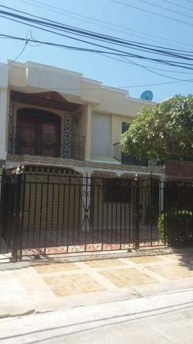 Alquilo o vendo linda casa en Altos de Garupal