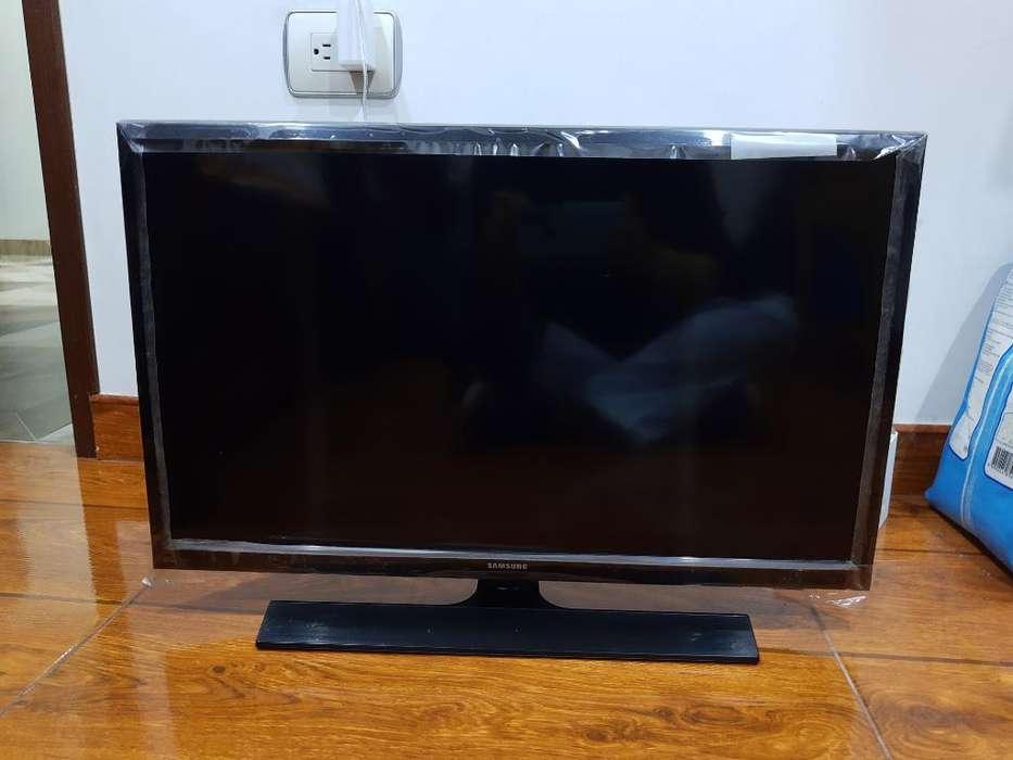 Televisor <strong>monitor</strong> Samsung Led 24''
