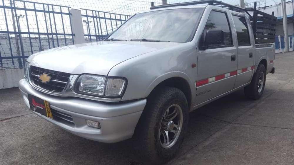 Chevrolet Luv 2001 - 140000 km