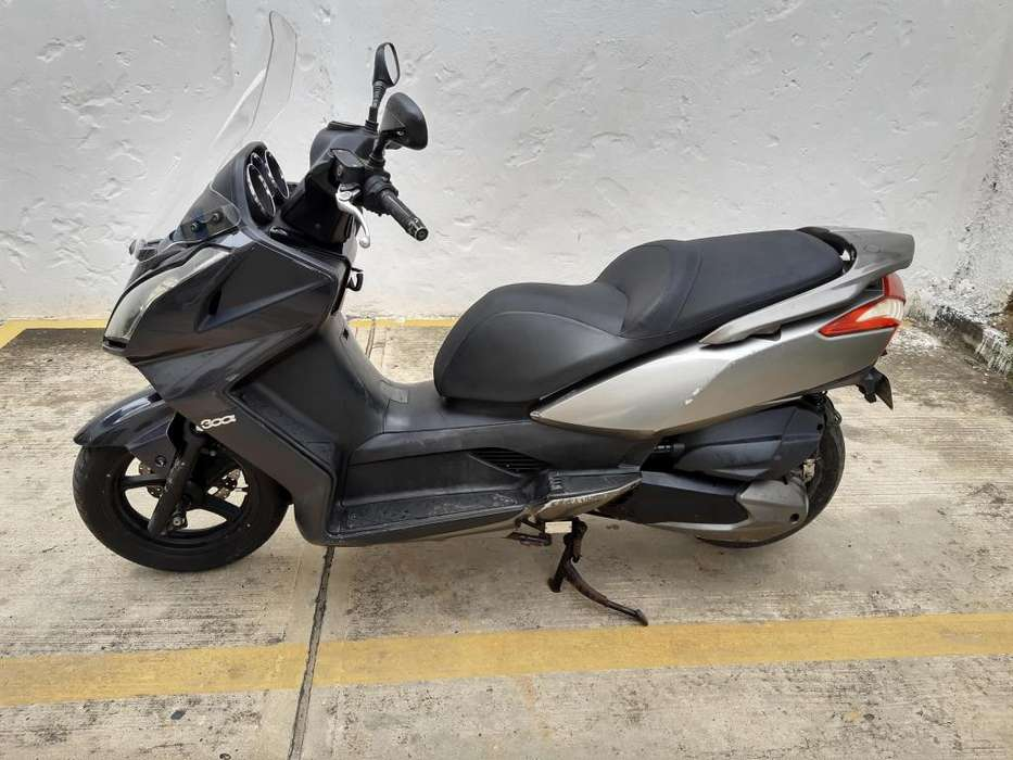 Kymco Downtown 300i Scooter Automática