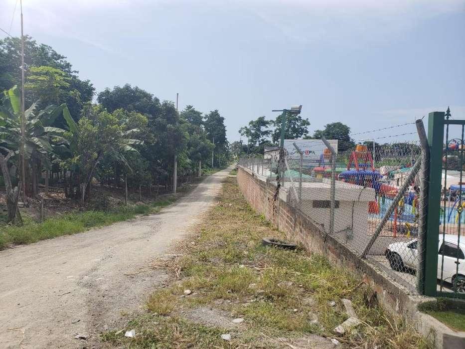 Venta de Terrenos en Via Tonsupa Atacames cerca a la Playa